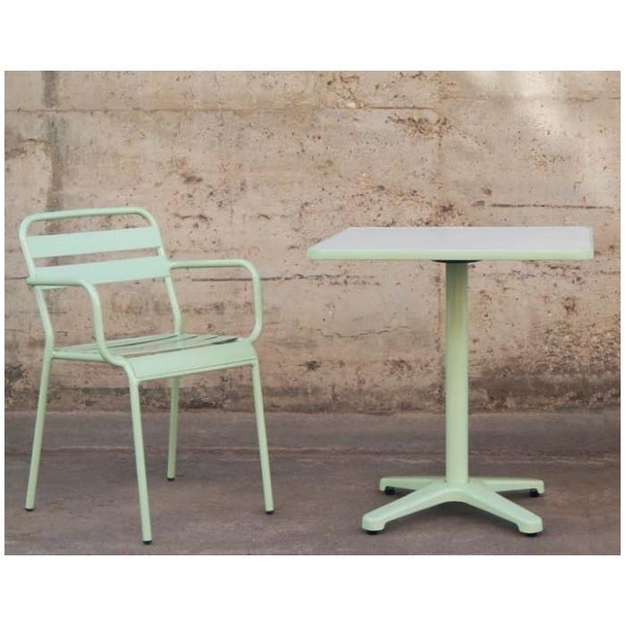 table de bar haute mobilier restaurant chr et terrasse alutec. Black Bedroom Furniture Sets. Home Design Ideas